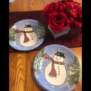 2 snowmen decorate plates